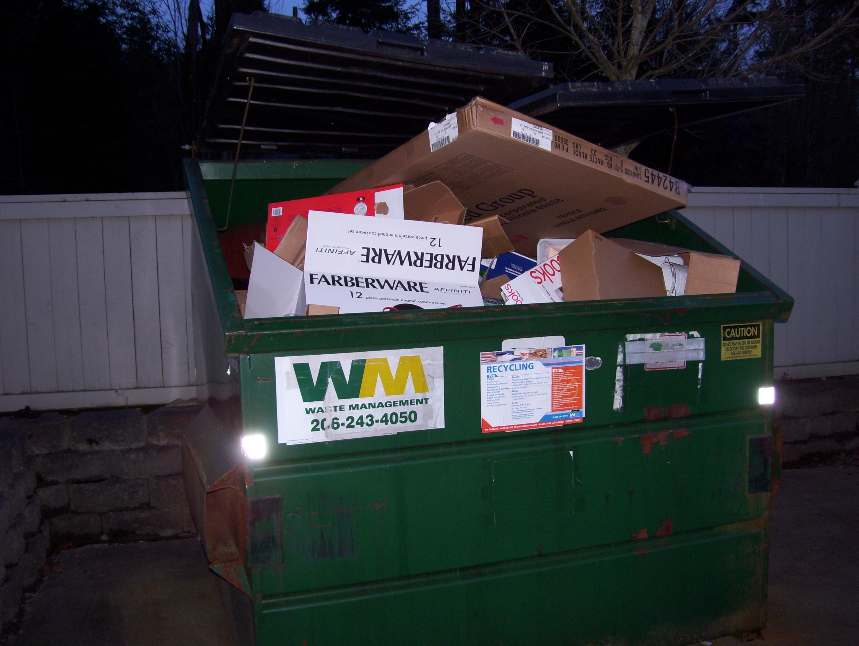 Please break down boxes for recycling | ParTerra At Newcastle